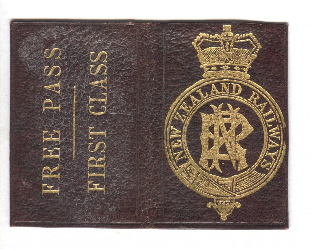 New Zealand Rail Pass - Outside Cover 001