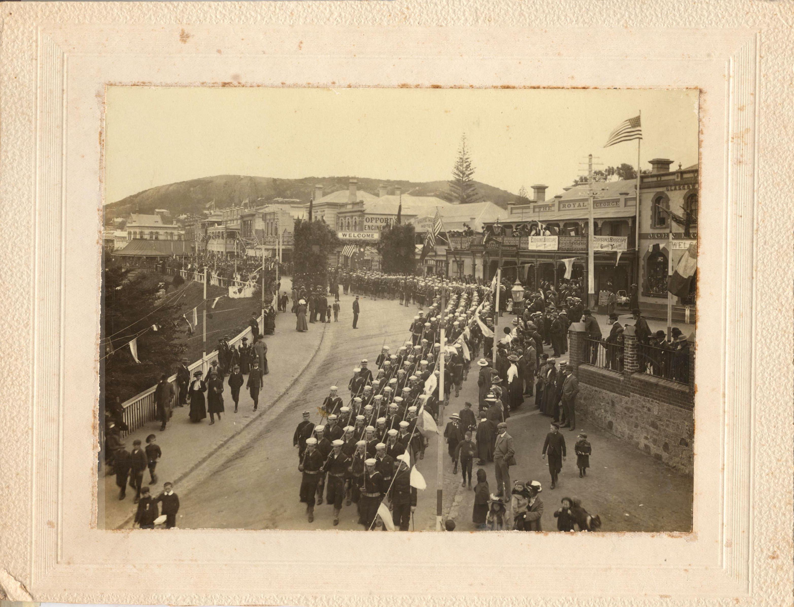 Albany Parade of Sailors 001
